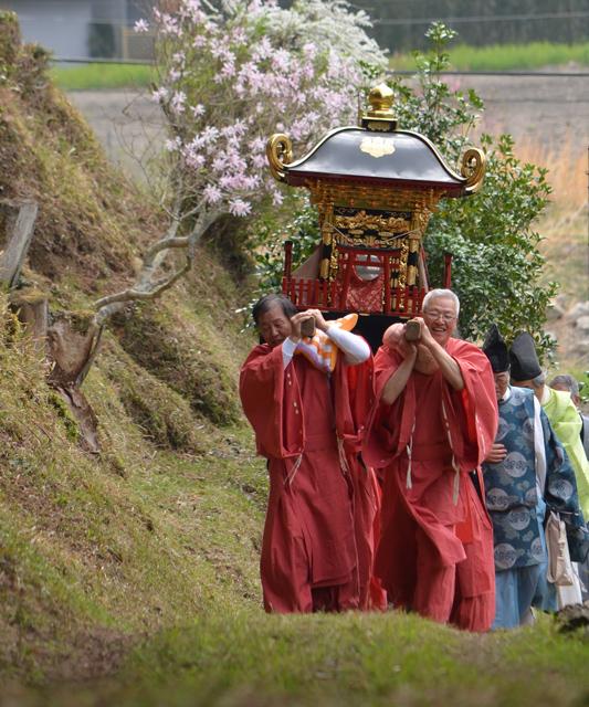 「春祭り」稲垣 日奈子