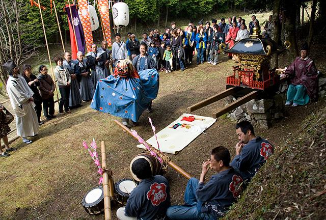 「村祭り」川合 軍